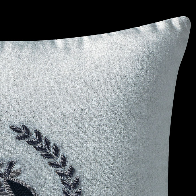 The-Emy-Pillow-Silver-1